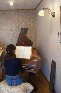 チェンバロの演奏.jpg