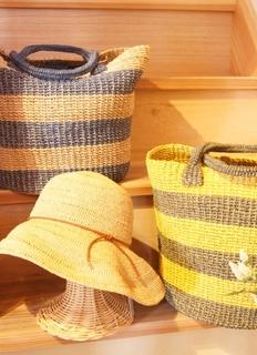 ラフィアの帽子とマニラ麻のバッグ.jpg