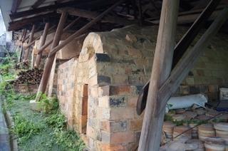 梅山窯にある旧窯.jpg